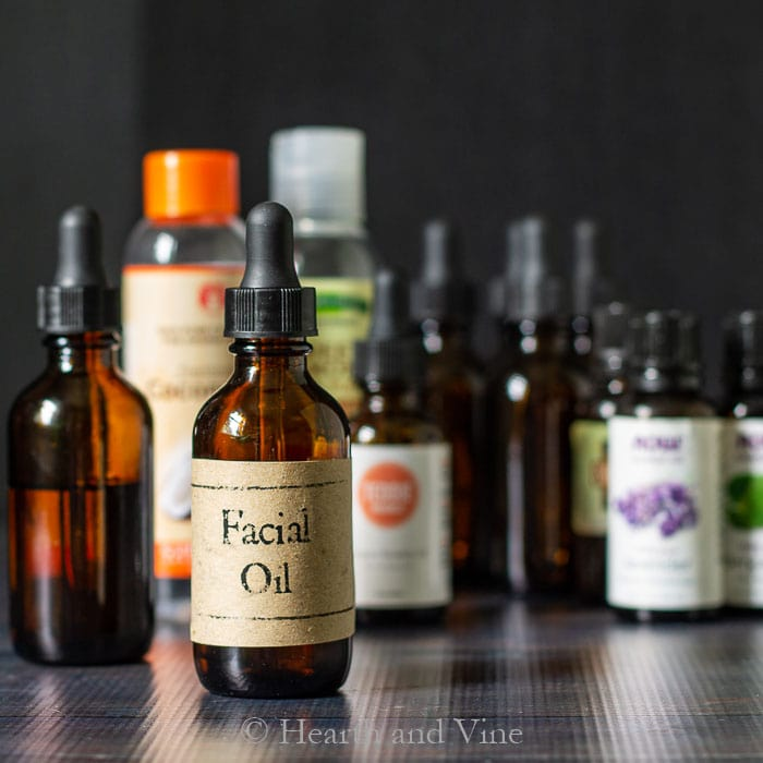 Facial oil bottle and ingredients