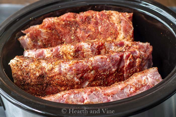 Spare ribs in the slow cooker