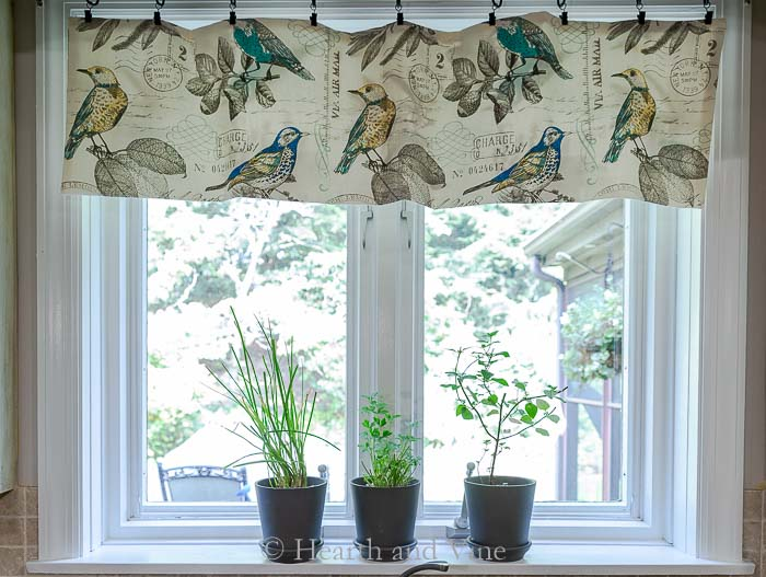 Kitchen window valance
