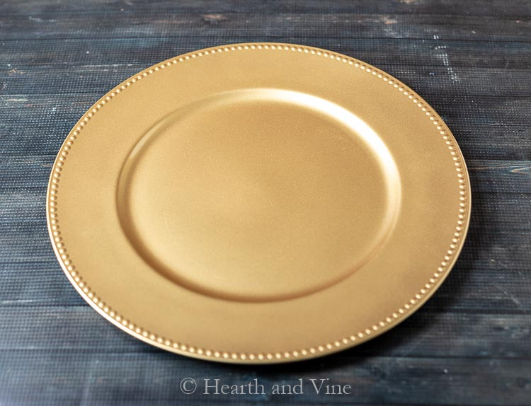 Gold dollar store plate