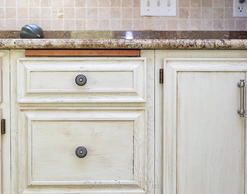 Kitchen refresh with new knobs and pulls