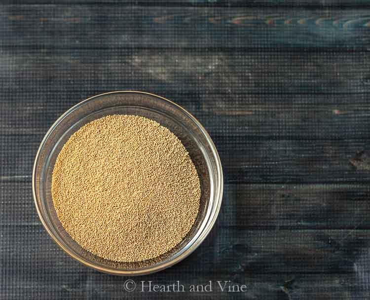 Dry amaranth grain