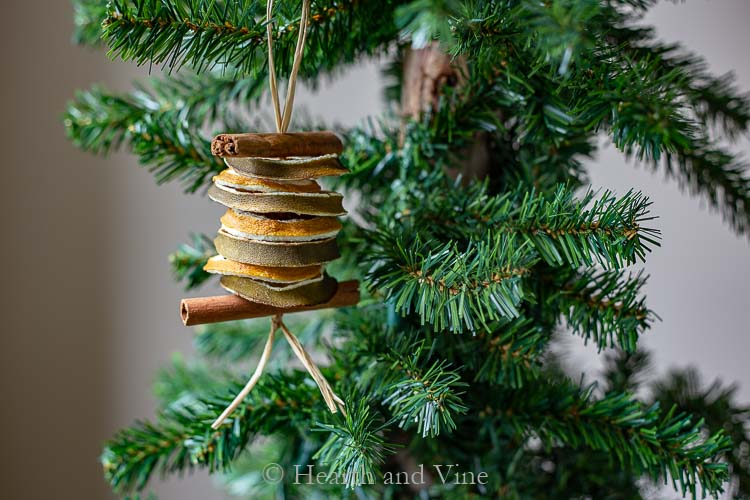 Stacked dried fruit Christmas decoration