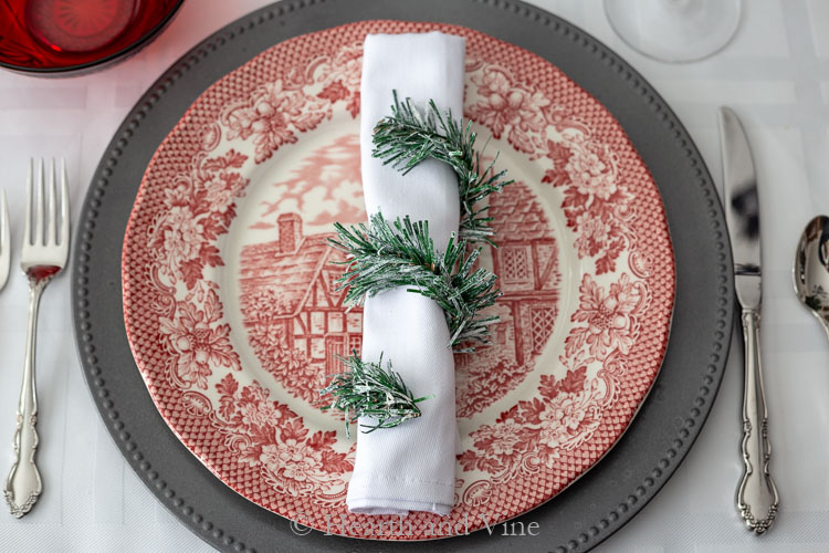 Single place setting for Christmas