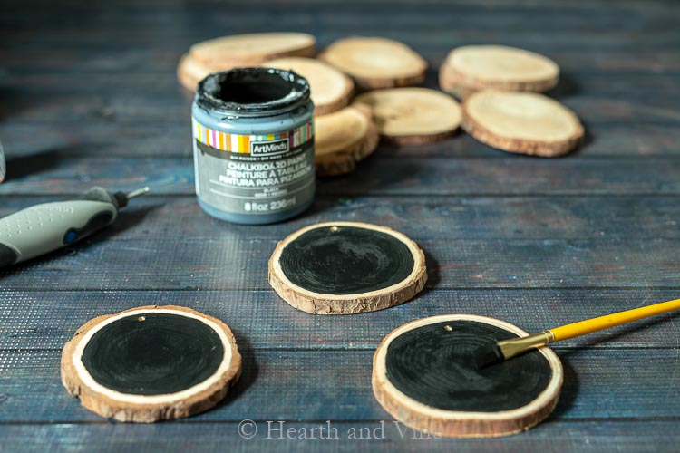 Wood slices painted with chalkboard paint