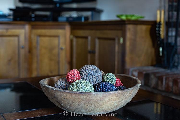 Pomander balls in different spices