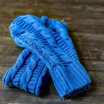 Set of mittens and headband made from a sweater