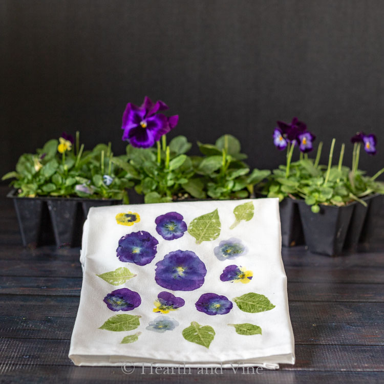 Pansies and leaf flower pounded tea towel