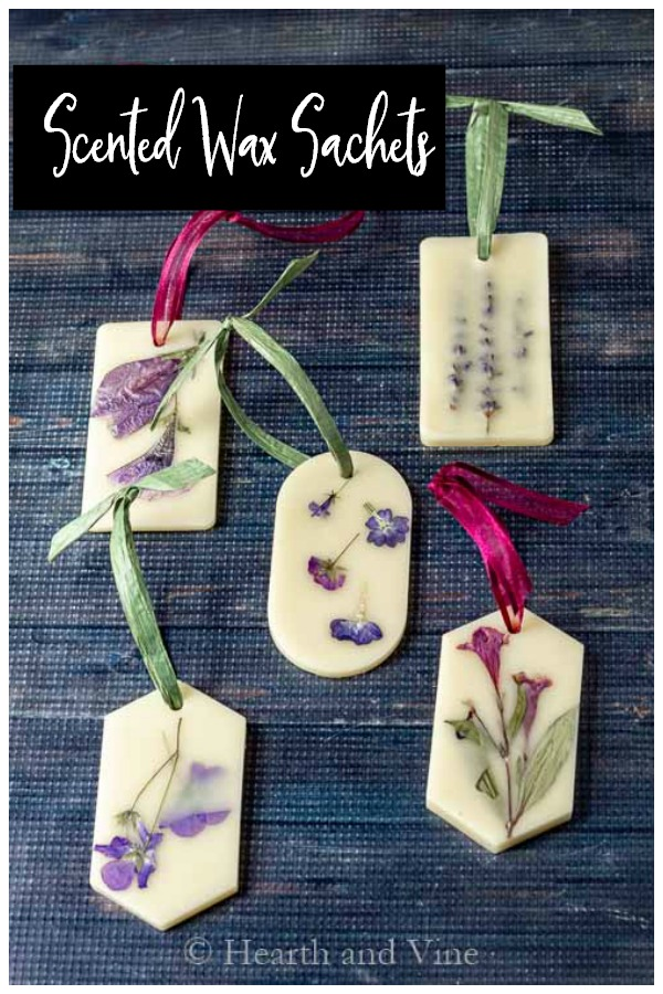 Set of floral scented wax sachets