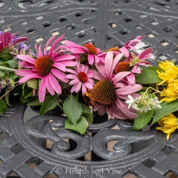 Center of fresh flower garland
