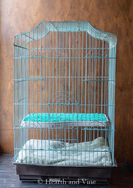 Birdcage into a ferret cage