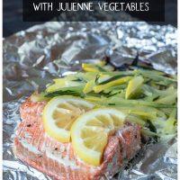 Salmon foil dinner with vegetables