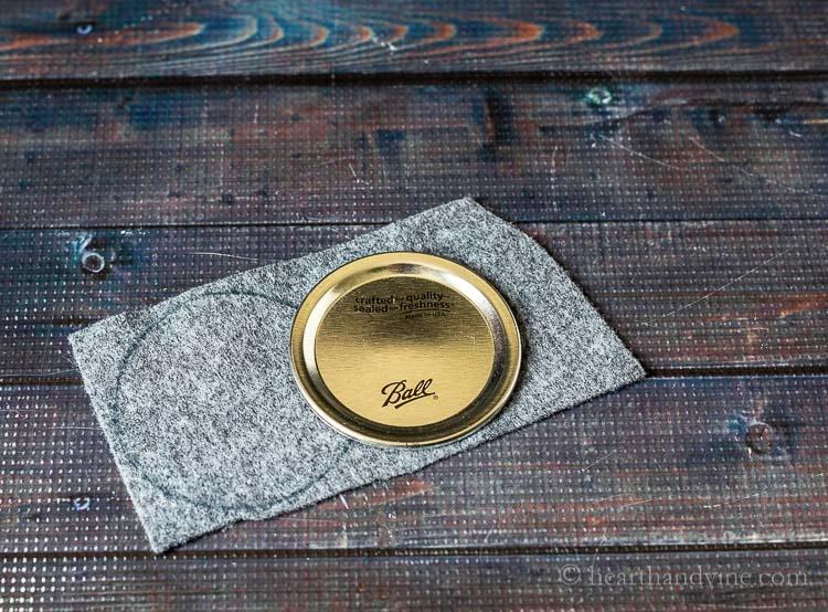 Traced mason lid on felt