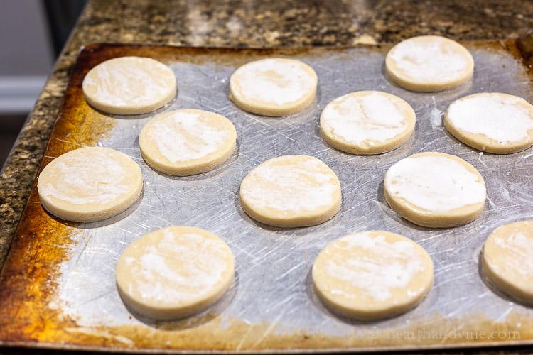 Shortcakes on baking tray