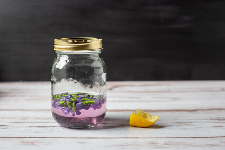Violet infusion with lemon
