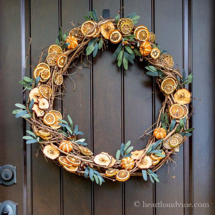 dried-fruit-wreath