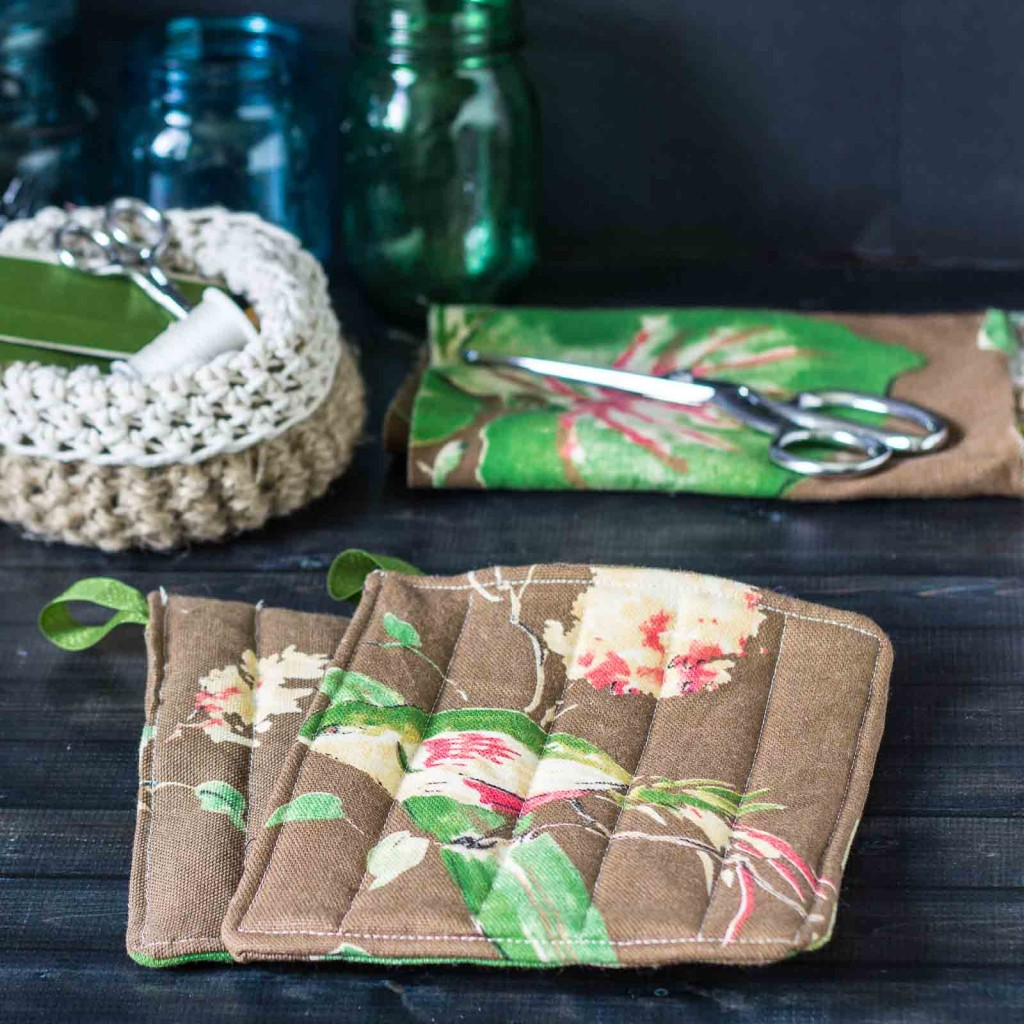 Making Potholders From Pretty Fabric You Love In 1 Hour