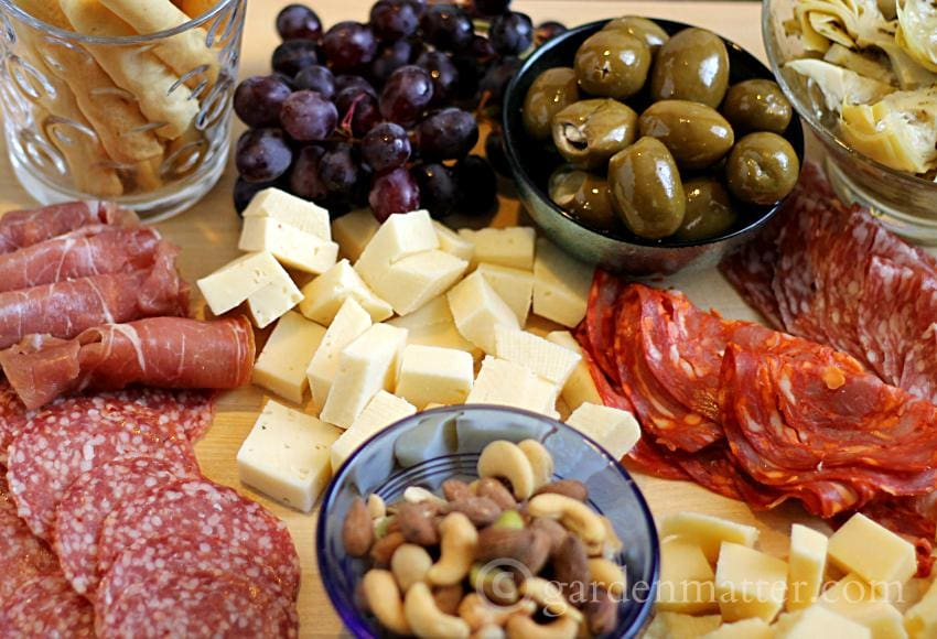 Easy Entertaining: Making an Antipasto Tray