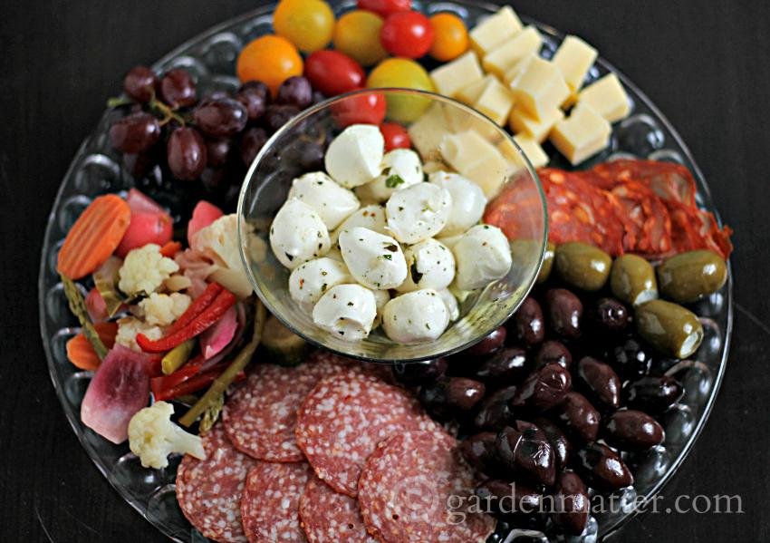 An antipasto tray can take so of the pressure off when entertaining. It offers a variety of treats for your guests to nibble on over a cocktail and looks beautiful on the table. Read more for some tips ideas on this creative culinary dish.