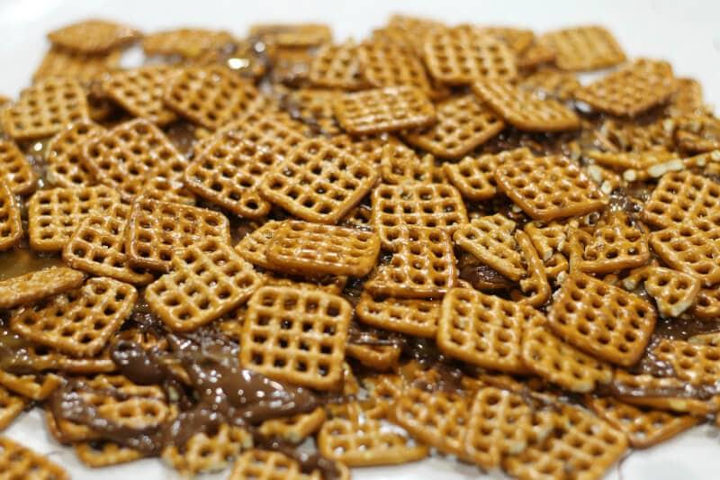 chocolate caramel pretzel treat ~second layer ~ gardenmatter.com