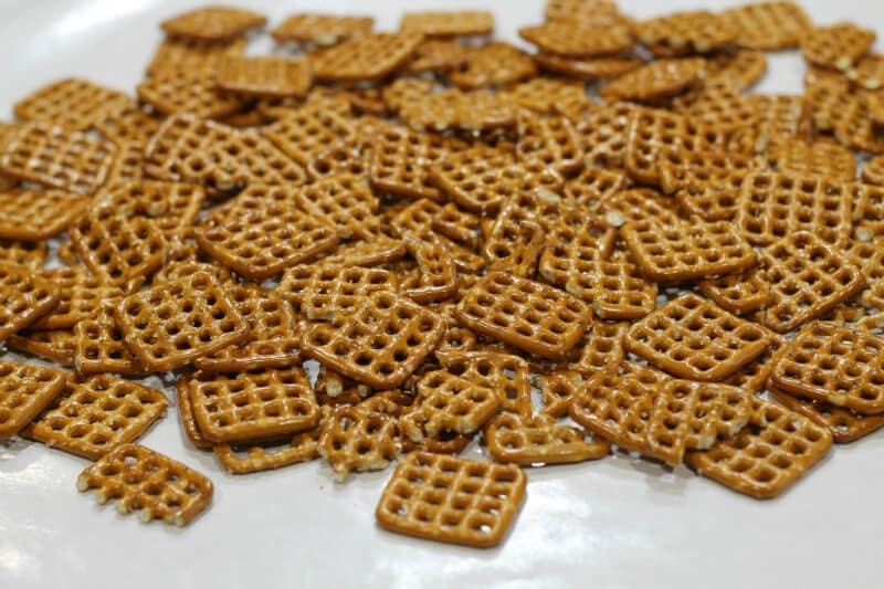chocolate caramel pretzel treat ~ first layer ~ gardenmatter.com