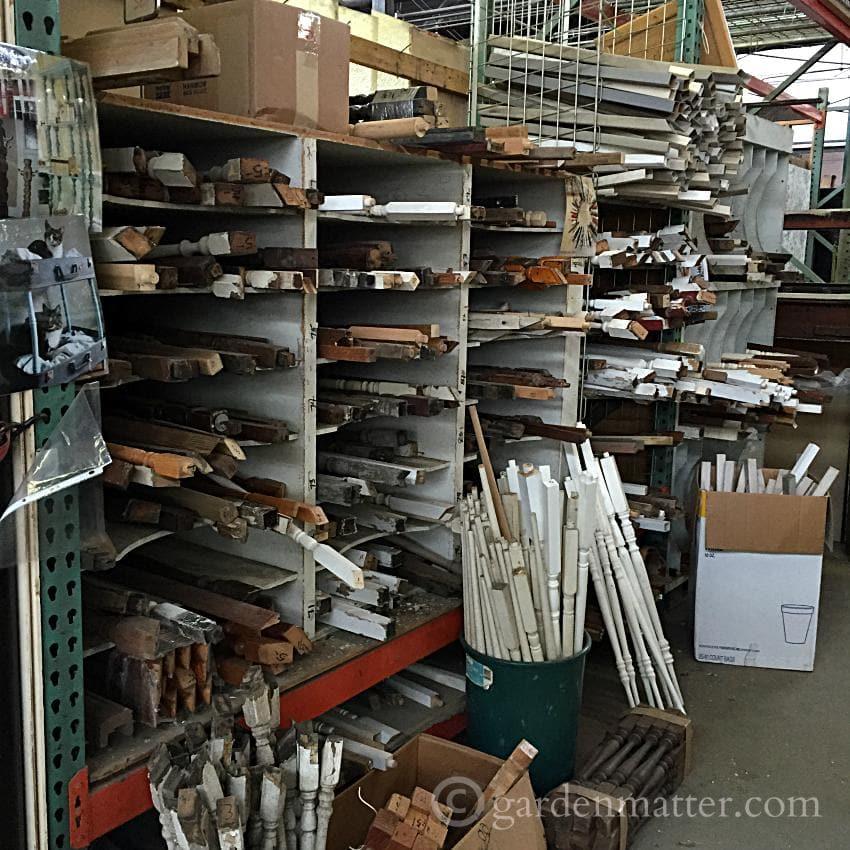 Construction Junction Inside ~DIY Office Desk ~ gardenmatter.com