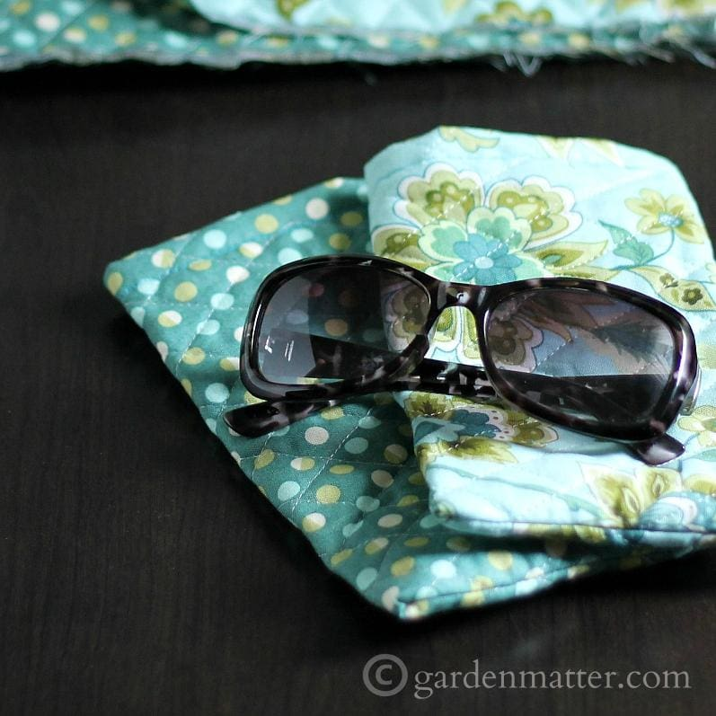 quilted sunglass case tutorial for beginners