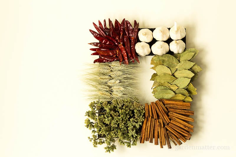 Easy DIY Spice Wreath to Decorate Your Kitchen