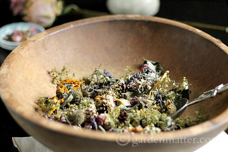 Make garden potpourri using flowers from your garden or a fading flower arrangement. It's easy and a great way to extend the enjoyment of your flowers.
