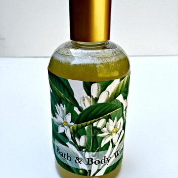 Make your own bath and body gel with natural ingredients and essential oils.