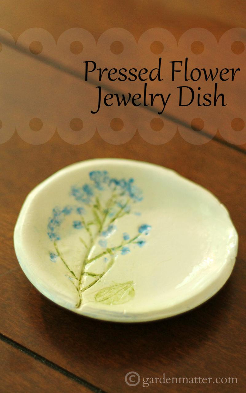 Learn how to make your own jewelry dish from polymer clay and fresh flowers.