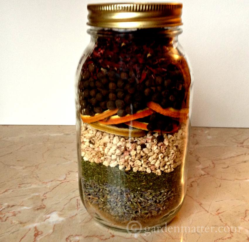 Layered Potpourri jars are an easy gift to make with the kids or a group of friends.