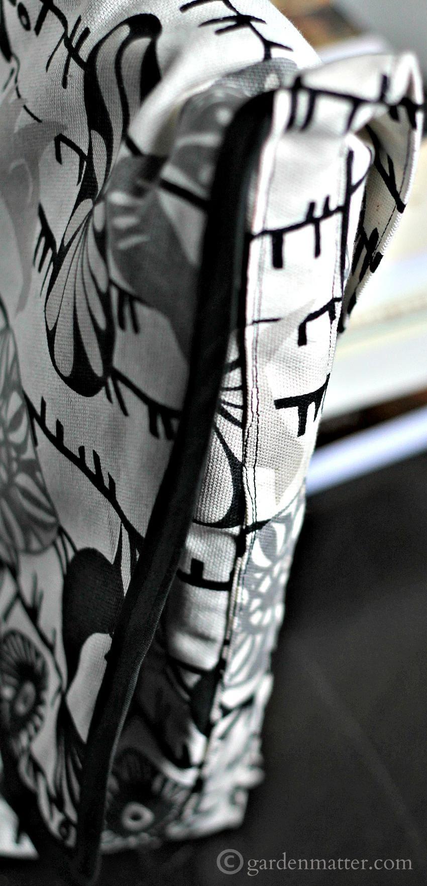 Messenger Bag Side ~gardenmatter.com