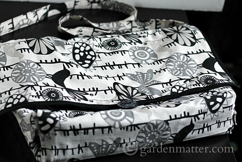 Messenger Bag front ~gardenmatter.com