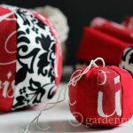 DIY Mini Pouf Ornament Tutorial