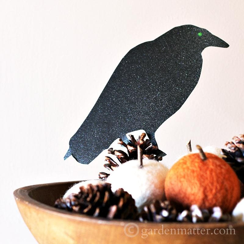 Bird silhouette craft for Halloween.