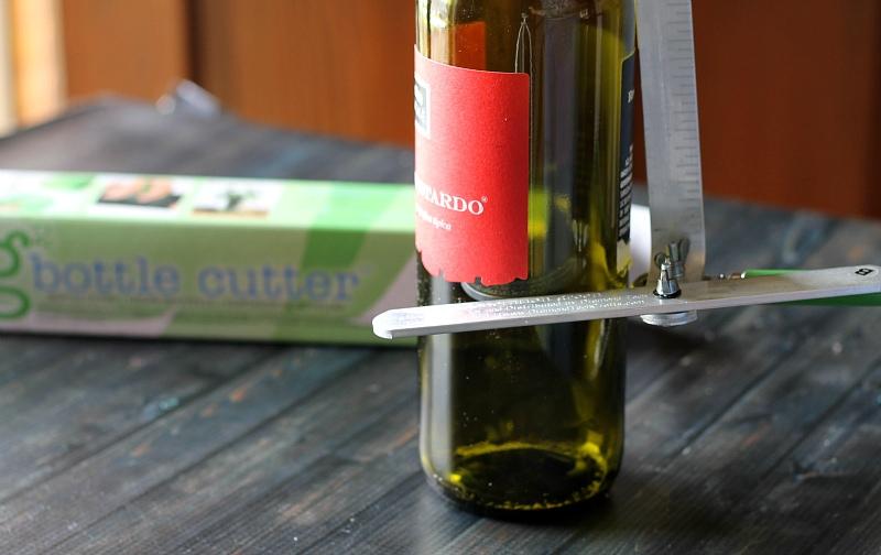 Scoring the bottle - Making Wine Bottle Glasses