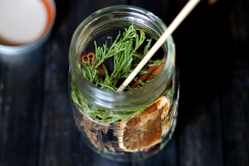 Use a Skewer to place items in jar - Oil Candle Lamp - gardenmatter.com