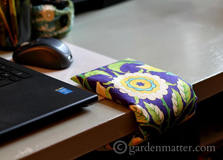 Wrist Comfort Cuff feature - gardenmatter.com